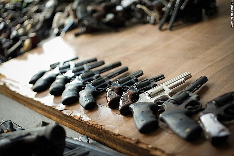 Armas apreendidas e encaminhadas para serem destruídas pelo Exército Brasileiro