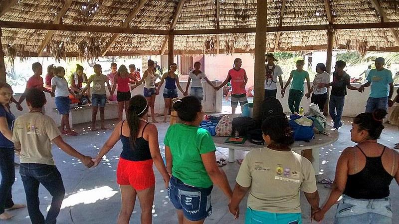 Comunidade de Tremembé da Barra do Mundaú durante celebração