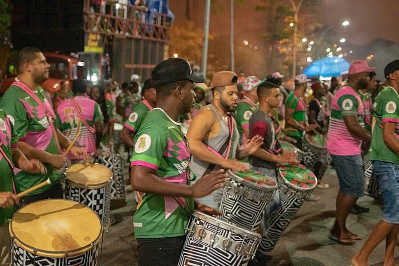 """Samba-enredo deste ano grita """"A Verdade Vos Fará Livre"""""""