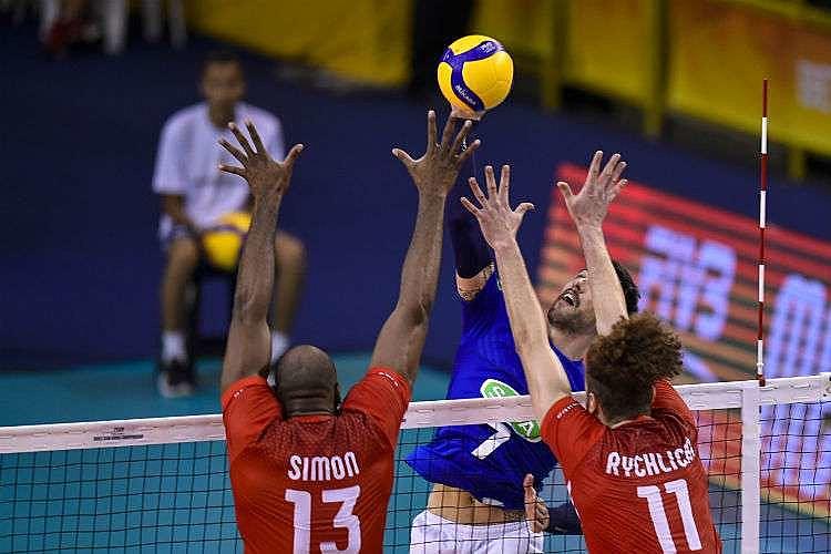 Italianos venceram a partida por 3 sets a 1