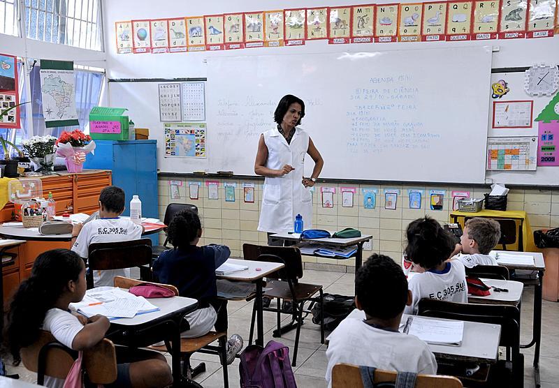 53 mil professores da rede estadual foram afastados em 2018 por transtornos mentais e comportamentais.