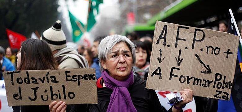 Modelo de Previdência proposto por Bolsonaro foi aplicado no Chile e levou idosos à miséria
