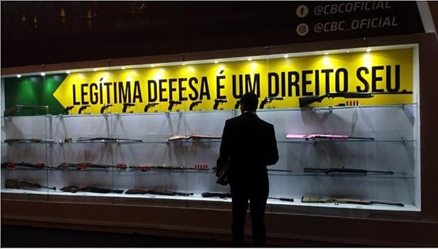 Estande das brasileiras Taurus e CBC indica o interesse do mercado na flexibilização da posse e do porte de arma