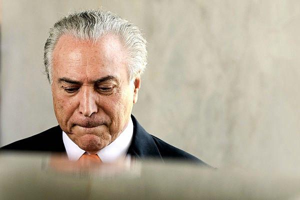 """Un año después del golpe en Brasil, Temer se está aprovechando de su impopularidad para hacer el """"trabajo sucio"""""""