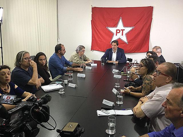 El ex ministro de Educación participó de una entrevista colectiva en el Instituto Lula, en São Paulo, este lunes (24)