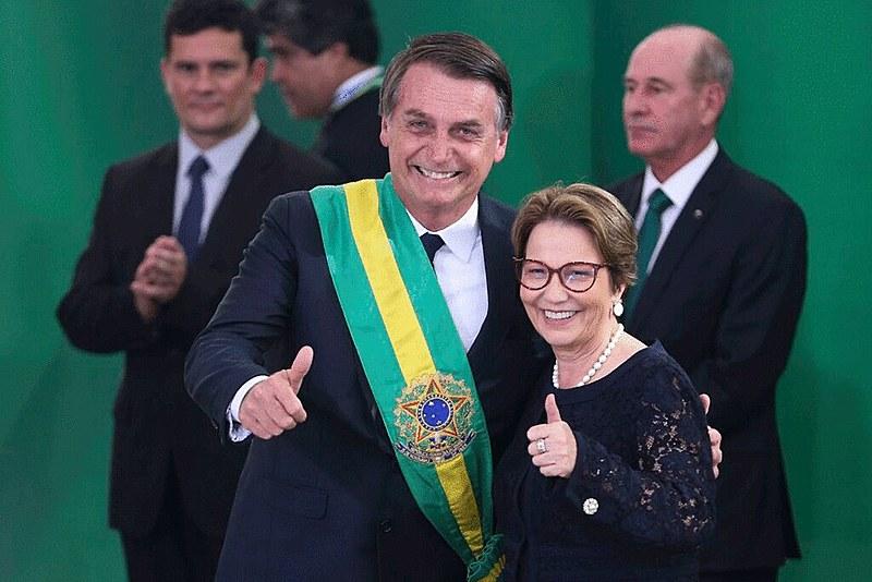 Presidente Jair Bolsonaro e ministra da Agricultura, a ruralista Tereza Cristina