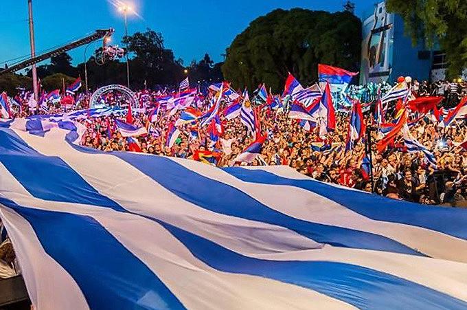 """Frente Ampla, para renovar projeto político e vencer eleições, enfrenta marqueteira direita que tenta se """"conectar"""" com o povo"""