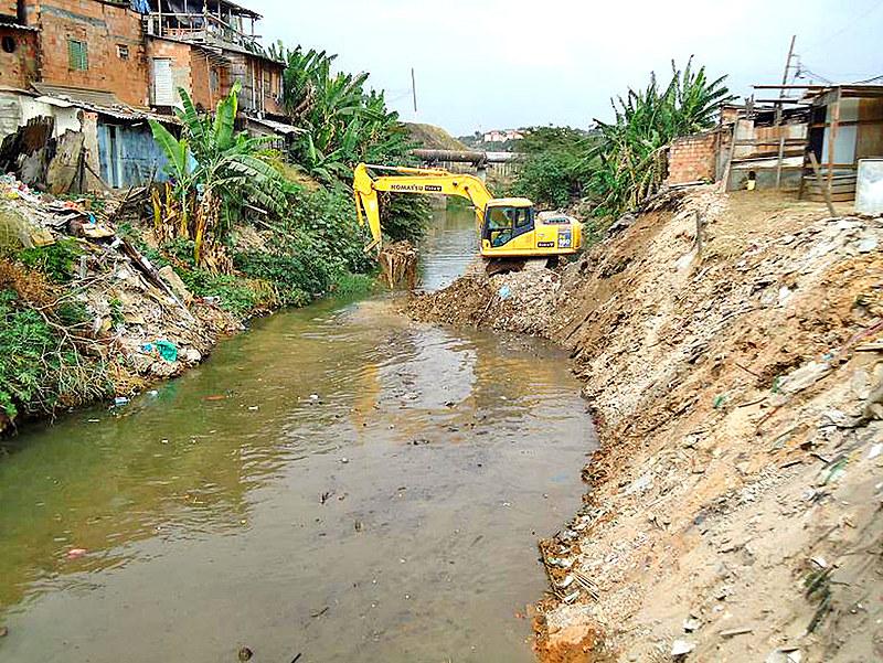 Milhares de pessoas em áreas de risco perderam suas casas por causa da forte chuva