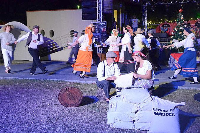 Modo de vida, danças e culinária fazem parte do festejo