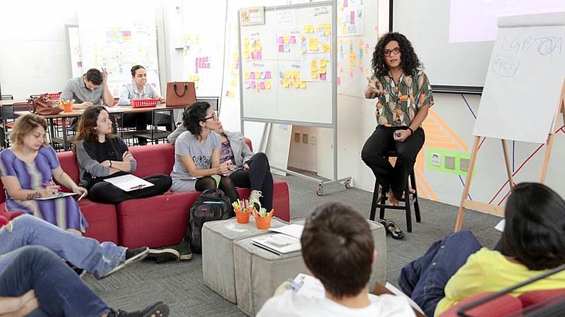 Fundada pela advogada Gabriela Augusto, a Transcendemos já orientou dezenas de empresas e trabalhadores