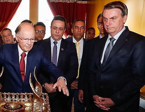 Bolsonaro em visita a templo evangélico ao lado de Edir Macedo, no fim de semana