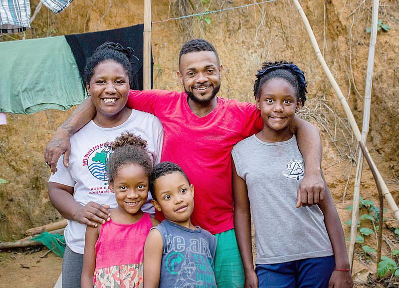 Família da Yolanda Gouveia é a beneficiária da casa que será construída em Barra Longa