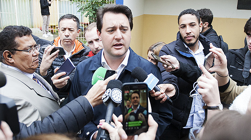 Professores acusam governador Ratinho Jr de se aproveitar da pandemia para atacar o funcionalismo