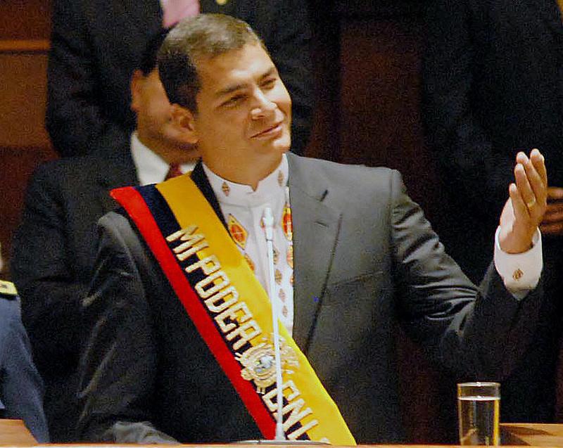 Para o ex-presidente do Equador Rafael Correa, a revogação do status de asilo de Julian Assange é ilegal e contraria a Constituição do país