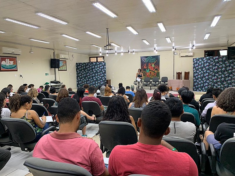 É simbólica a escolha do Brasil como sede, afirma uma das organizadoras do evento, a extrativista Claudelice Santos