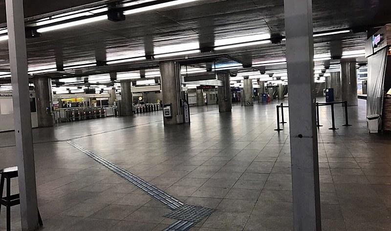Estação Sé do Metrô em São Paulo: vida normal?