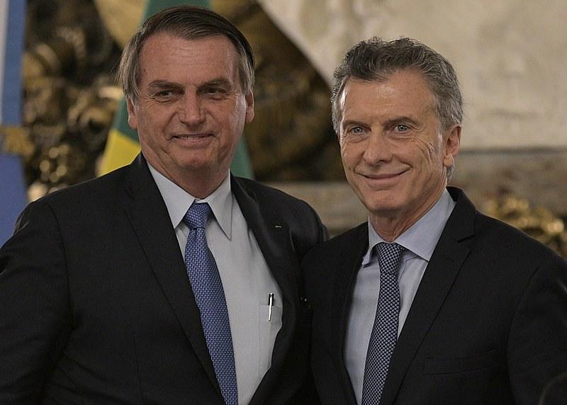 Bolsonaro foi recepcionado por Macri e sua esposa, Juliana Awada, em um dos salões da Casa Rosada, sede da presidência argentina