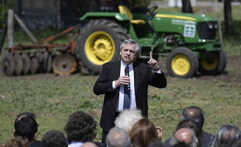 """""""Nossa maior vergonha é a fome"""", afirmou Fernández em entrevista coletiva na Universidade de Buenos Aires (UBA)"""
