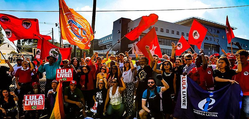 Mobilização popular por Lula livre