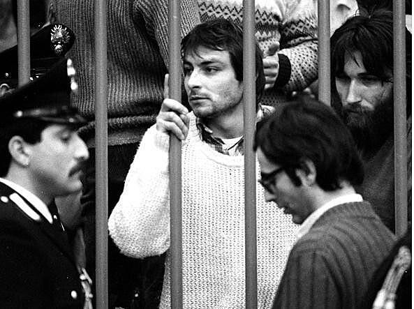 Cesare Battisti durante seu julgamento na Itália.