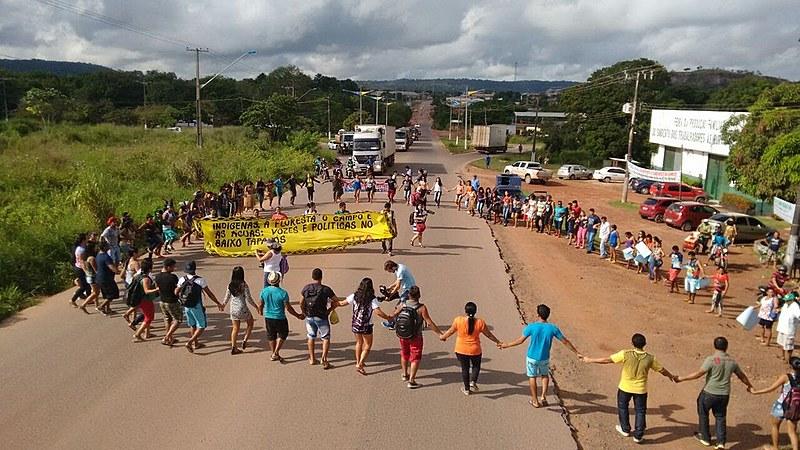 Manifestação teve início com bloqueio da Rodovia Santarém Cuiabá