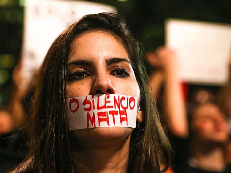 Nos últimos 12 meses, 1,6 milhão de mulheres foram espancadas ou sofreram tentativa de estrangulamento no Brasil, segundo Datafolha.