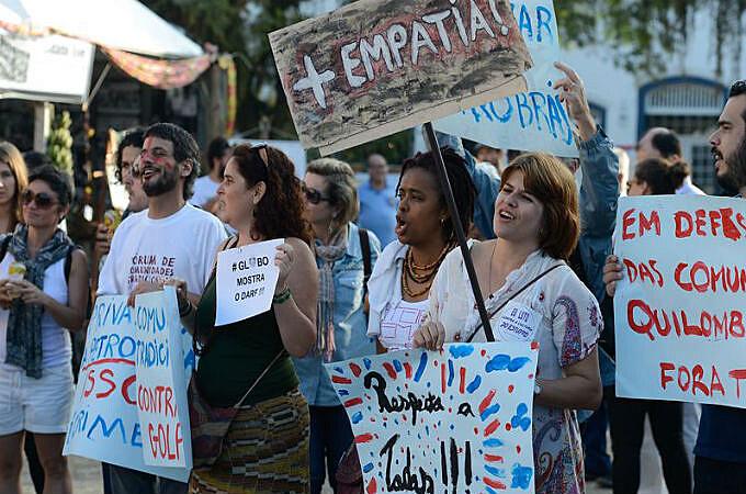 Chamado de Ocupa Flip, o protesto denunciou violações de direitos das comunidades tradicionais e se posicionou contra o governo interino de Michel Temer