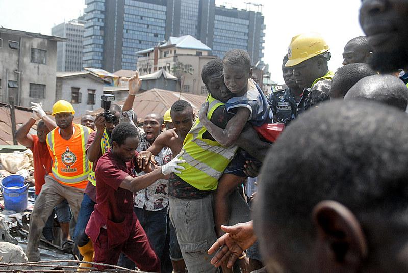 Mais de 100 estudantes estavam no local no momento do desabamento