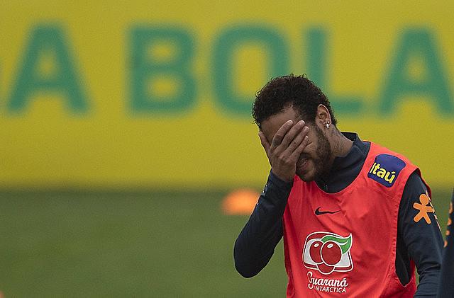 Neymar continúa su rutina de entrenamientos, partidos y compromisos publicitarios