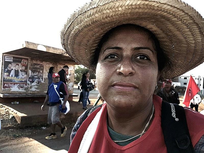 A sem-terra pertence ao Acampamento Andreia Guaraciane, localizado no Vale do Paraíba, em São Paulo.