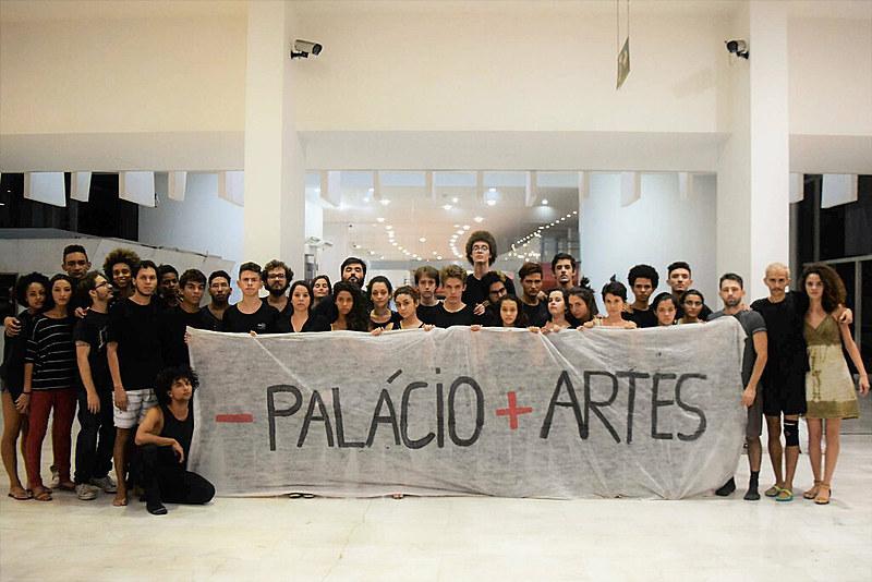 """O movimento """"Menos Palácio, Mais Artes"""" reúne alunos dos cursos de Dança, Música e Teatro"""