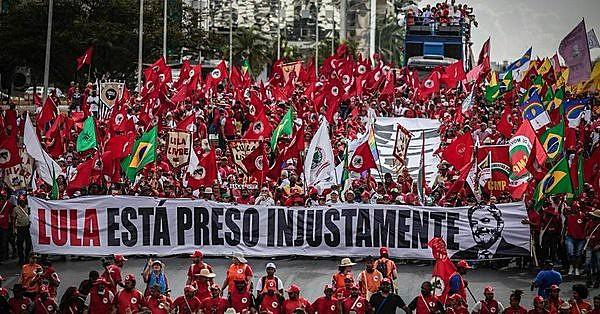 Lula diz, em carta, que emissora está tentando esconder a campanha do PT