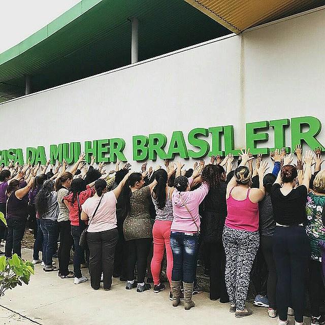 En 2017, integrantes de movimientos feministas ocuparon el espacio para exigir su inauguración
