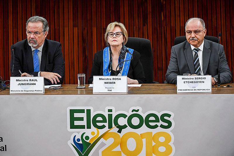 """""""Gostaríamos de ter uma solução pronta, mas não temos"""", afirmou a ministra Rosa Weber, presidenta do Tribunal Superior Eleitoral (TSE)"""