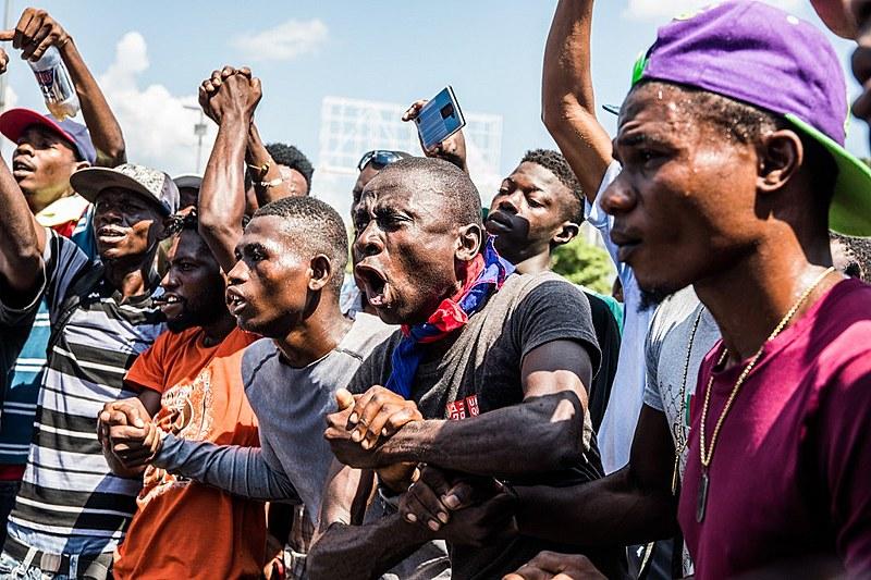 Los manifestantes exigieron la renuncia del presidente Jovenel Moïse en protesta en Puerto Príncipe el 17 de octubre de 2019