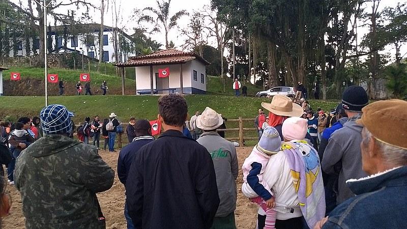 Trabalhadores rurais reivindicam terras para a reforma agrária