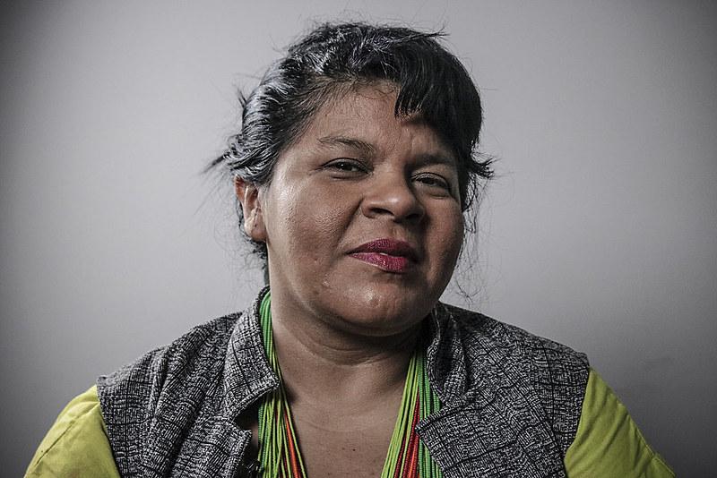 Em Entrevista, Sônia Guajajara fala sobre covid-19, vacinas, meio ambiente e o protagonismo feminino.