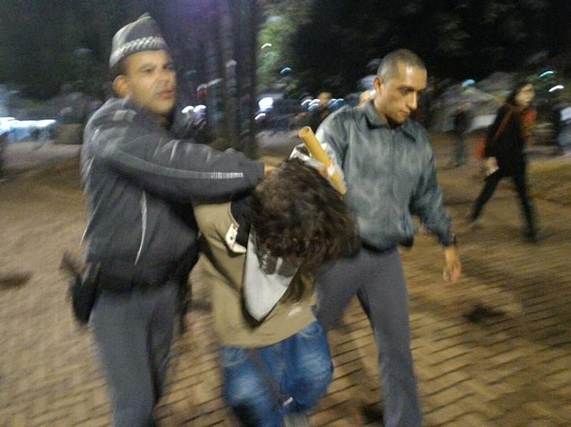 Regristos de violência policial foram feitos ao longo do protesto