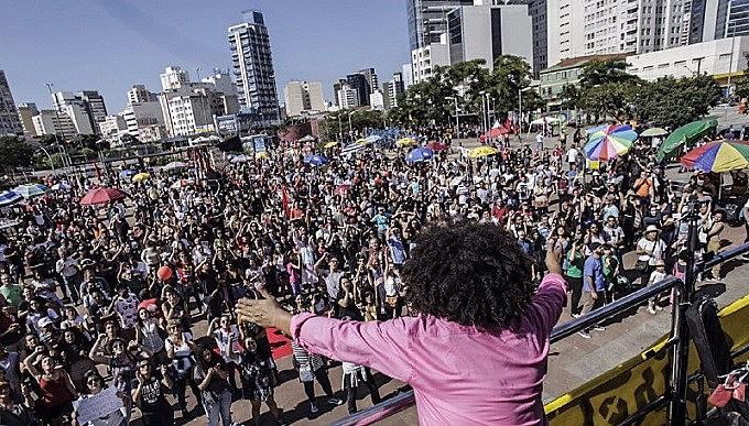 Chico César realizou o primeiro show do dia. Ainda passam pelo palco Mano Brown, Emicida, Pitty, Maria Gadú entre outros