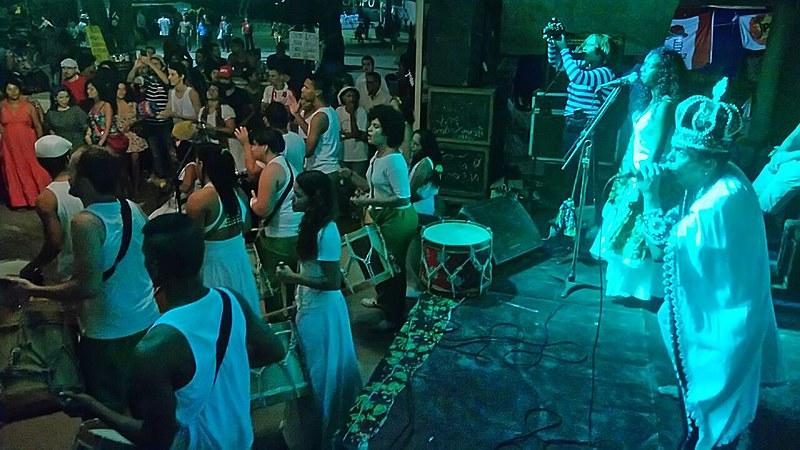 Abissal e Maracatu Real da Várzea durante show no Acampamento Popular em Defesa da Democracia