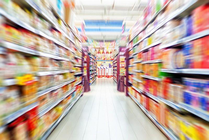 Segundo a OMS, em 2013 na América Latina, brasileiros e peruanos foram os maiores consumidores de comida rápida, com uma cifra 10 vezes superior de compras que a Bolívia.