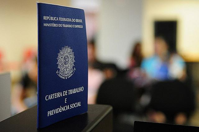 Jair Bolsonaro votou a favor da reforma trabalhista que não gerou novos empregos e piorou as condições de trabalho