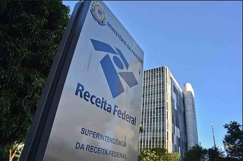 Crise entre Receita Federal e agentes públicos da cúpula do Judiciário, do Legislativo e do Executivo revela uma contradição