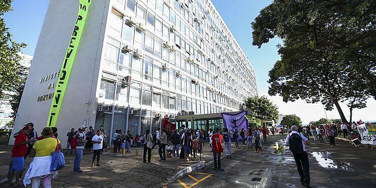 Os manifestantes pretendem ocupar o local durante todo o dia