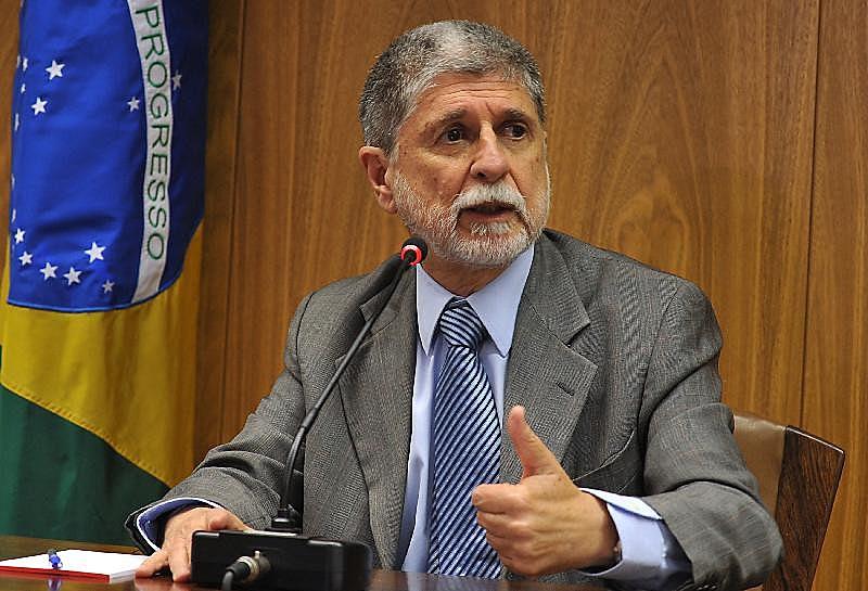 O ex-ministro de Defesa Celso Amorim disse que a conduta pede um posicionamento enérgico por parte da Unasul e do Mercosul