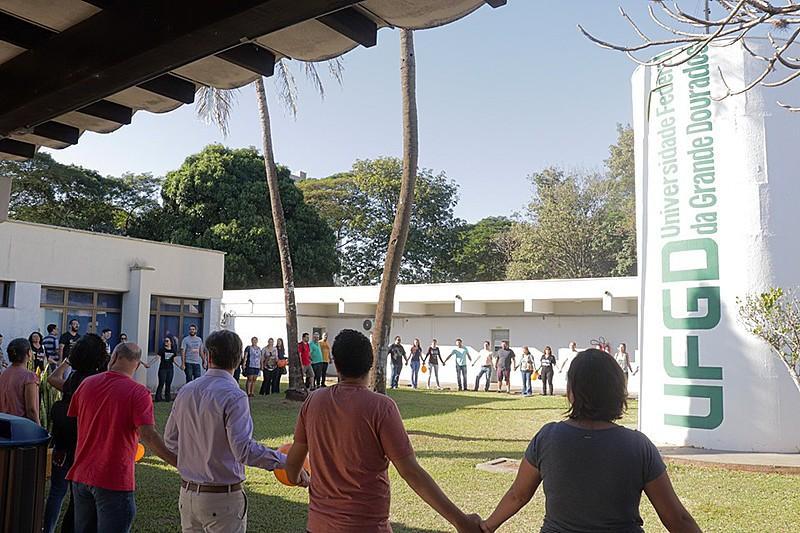 Reitora interventora está incluindo na equipe membros da chapa derrotada na consulta. Vice-reitor escolhido é apoiador de Bolsonaro