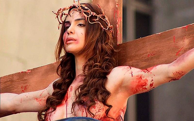 Viviany foi brutalmente espancada por fanáticos religiosos