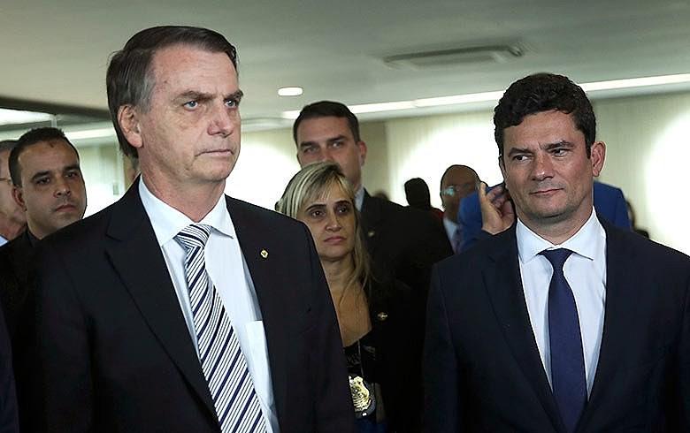 Bolsonaro e Moro, ambos beneficiados pela ausência de Lula na disputa presidencial