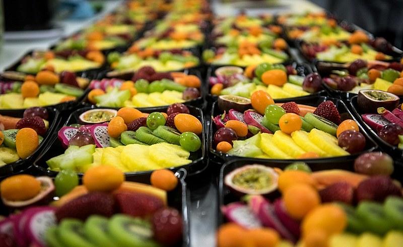 Evitar alimentos industrializados e incentivar a criança a experimentar novos alimentos estão entre as recomendações