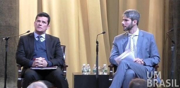Sociólogo brasileiro, Felippe Ramos (à direita), questiona Moro sobre possível politização de processos judiciais